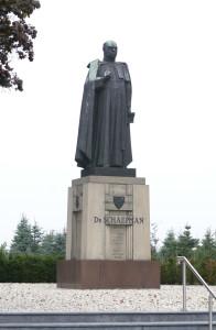 Dr._HJAM_Schaepman_op_de_es_in_Tubbergen